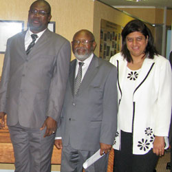 Managing director of Dakar's Transport Department, Soudou Diagne with Sicelo Mabaso of the taxi industry and MMC for transport in the City, Rehana Moosajee