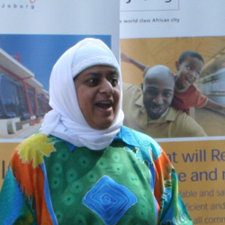 Mayoral committee member for transport, Rehana Moosajee, thanks the Rea Vaya team